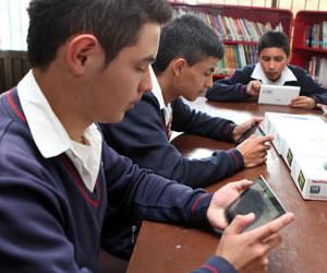 estudiantes tablet