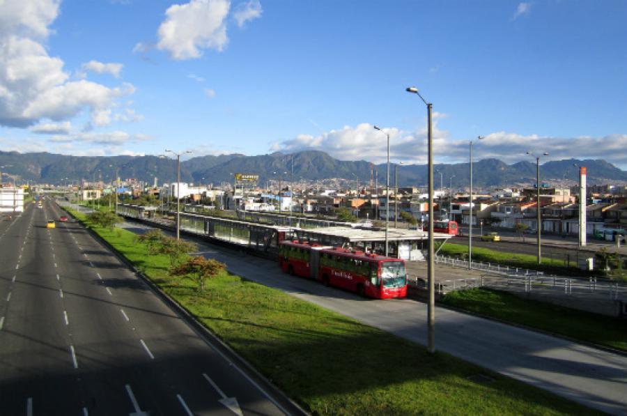 Bogota transmilenio ka 30 for Actividades jardin botanico bogota