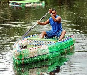 Buscan construir embarcaciones con botellas reciclables en for Plastico para impermeabilizar lagunas